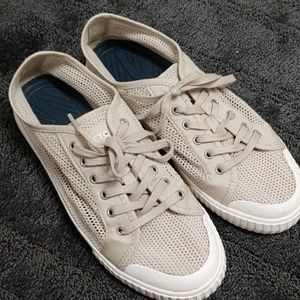 Tretorn taupe and white breathable sneakers